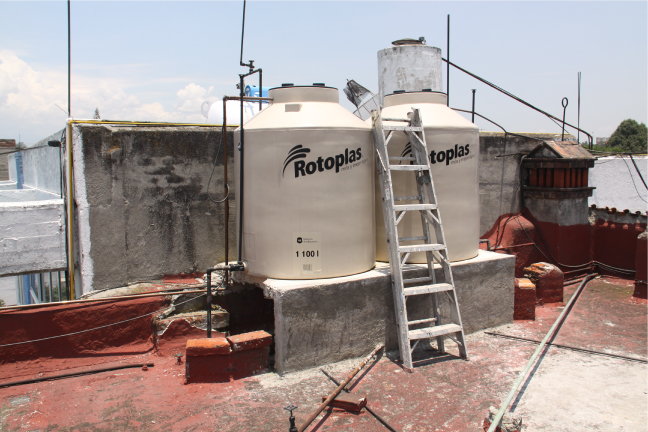 Rooftop water storage tanks in Mexico & Household Water Storage